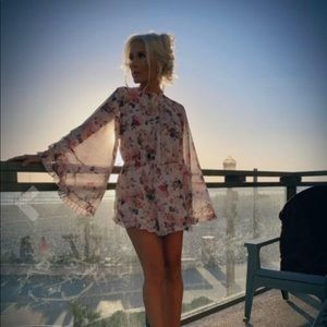 Other - Sold!!!!!!!!! Beautiful romper